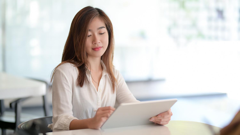 woman-browsing-tablet